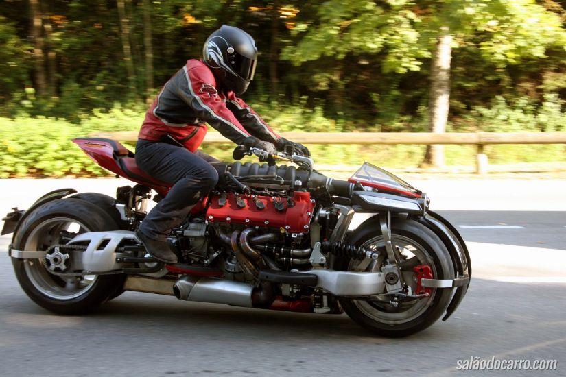 Lazareth: a moto com motor Maserati