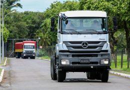 Mercedes-Benz mexe no câmbio automatizado PowerShift para inseri-lo na linha Axor fora de estrada