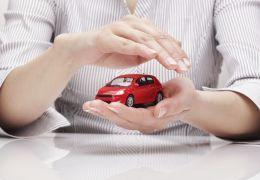 Azul anuncia seguro para carro popular