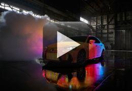 Lexus cria carro camaleão com 42 mil LEDs