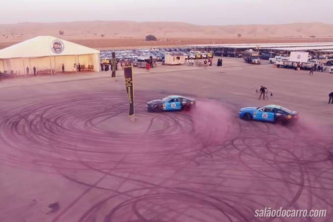 Mustangs bate recorde de maior marca de pneu no asfalto