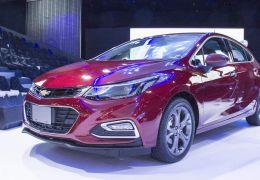 Cruze Hatch e Nissan Kicks SL sofrem reajustes de preço