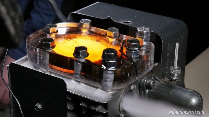 Confira a combustão dentro do motor em câmera lenta
