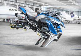 Lego cria moto voadora em parceria com a BMW