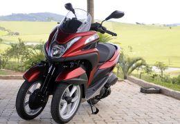 Scooter de 3 rodas da Yamaha consegue oferecer estabilidade nas curvas e nas frenagens