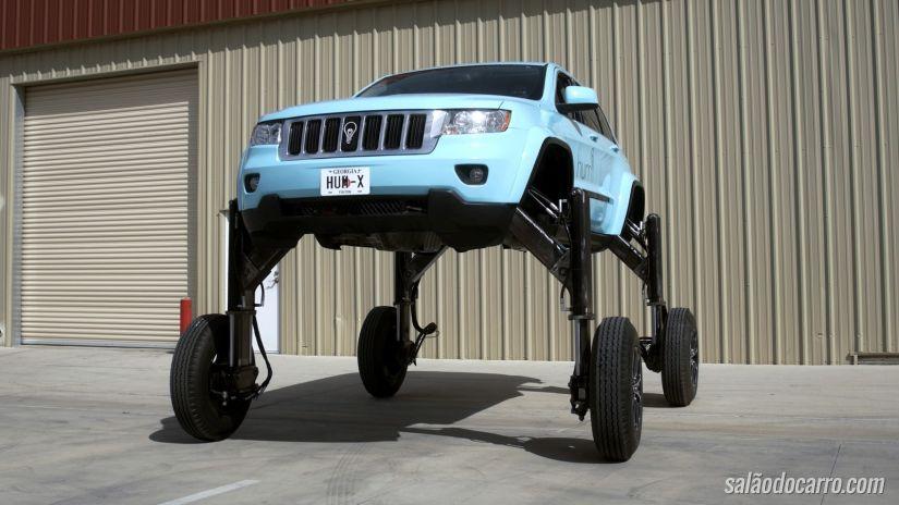 Tecnologia eleva veículos para que ele passe pelos outros carros