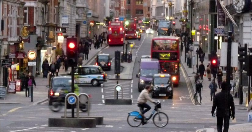 Londres terá pedágio para veículos poluentes