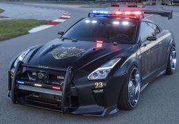 Nissan GT-R é transformado em viatura policial