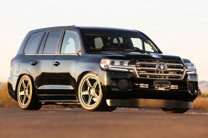 SUV mais veloz do mundo é da Toyota. Confira o vídeo!