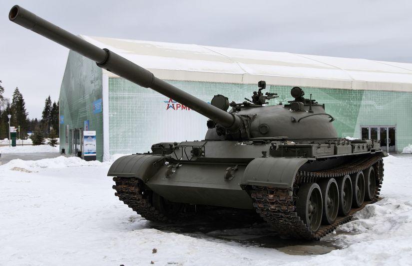 É possível comprar um tanque na Rússia pelo preço de carros esportivos