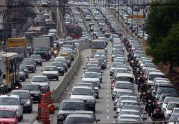 Carro é o meio de transporte que mais polui a cidade de São Paulo