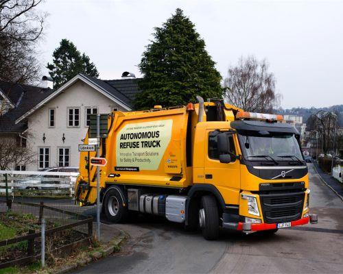 Volvo testa caminhão de lixo autônomo