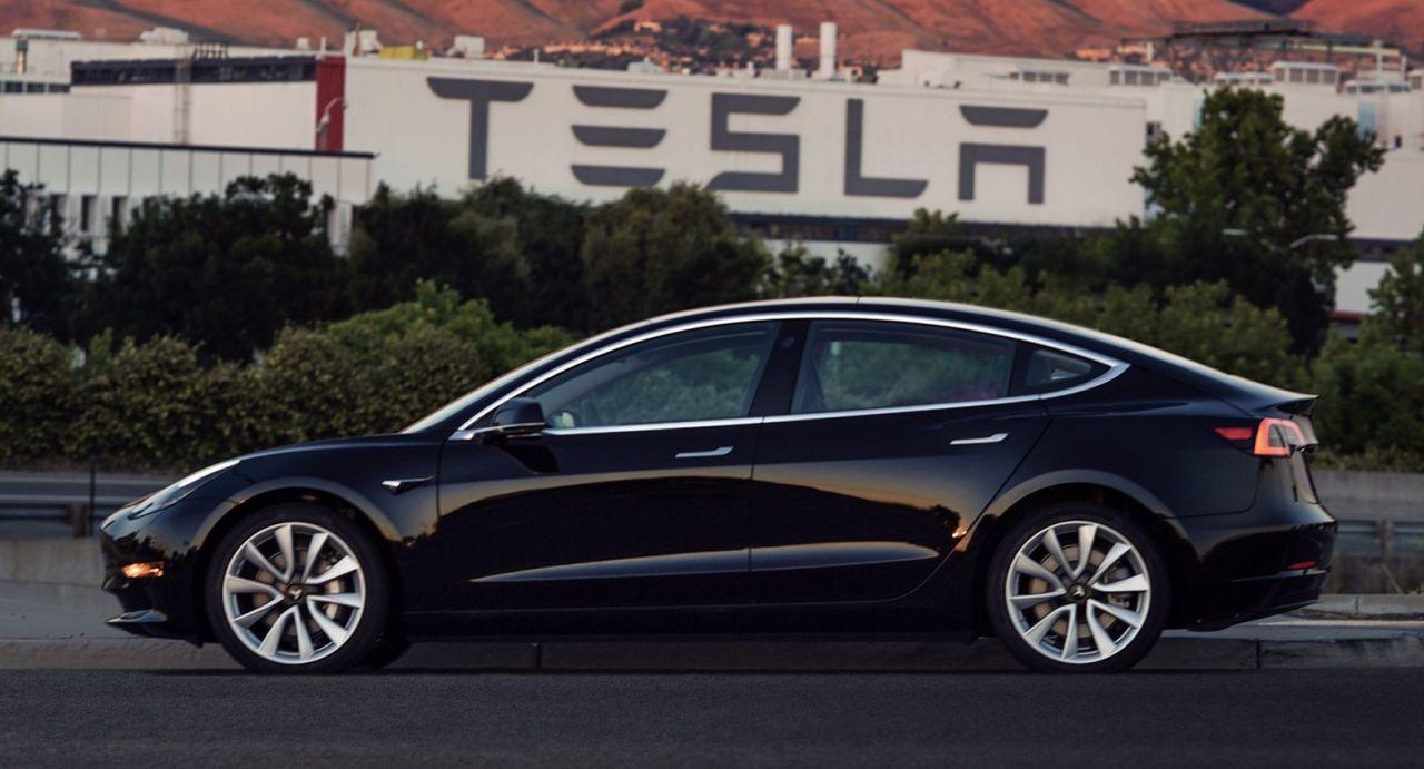 Há um Tesla