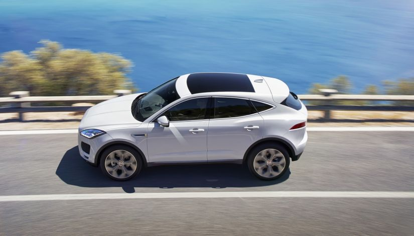 Jaguar apresenta E-Pace com manobra incrível