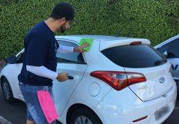 Empresa cria app para lavagem de carro sem uso de água