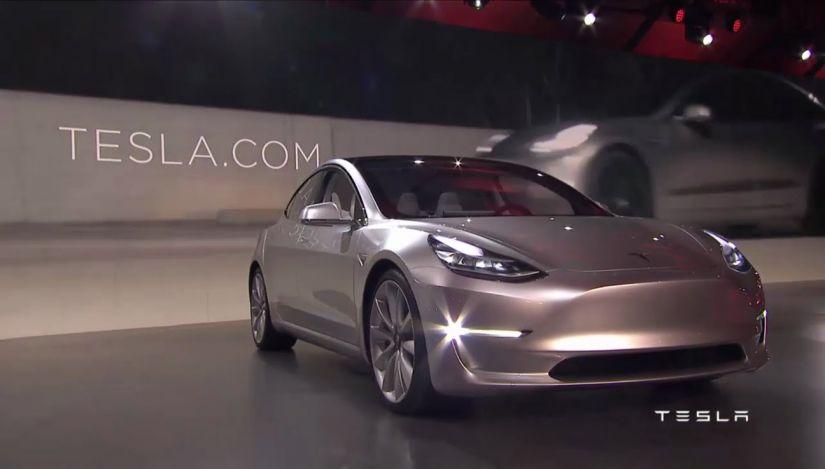 Tesla quer levantar recursos para acelerar produção do Model 3