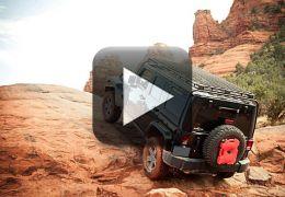 Jeep desafia leis da gravidade em vídeo