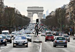 União Europeia define meta de corte de emissões de poluentes de carro até 2030