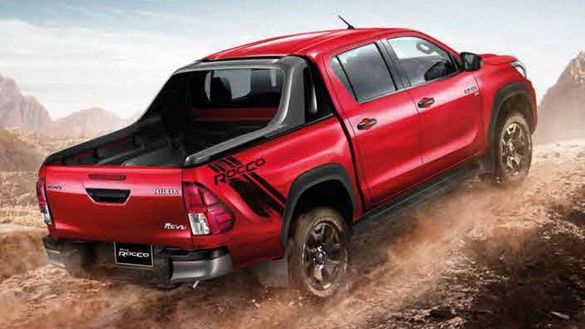 Toyota apresenta visual novo da Hilux 2018
