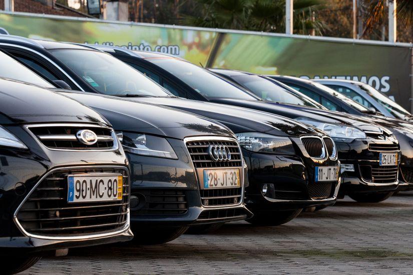 Carros com 4 a 8 anos estão entre os mais financiados no mês passado