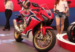 Honda abre período de pré-venda da CBR 1000 RR Fireblade 2017 no Brasil