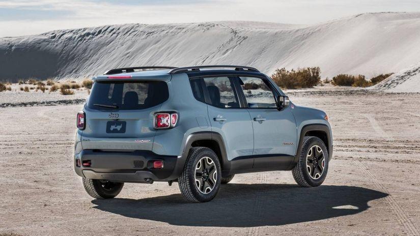 Jeep convoca Renegade por falha nas setas de direção
