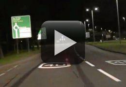 Carro controlado por controle remoto atinge quase 100 km/h