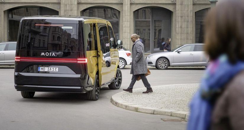 Volkswagen apresenta projeto de van elétrica para usar como Uber Pool