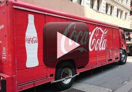 O que acontece quando você enche um tanque de carro com Coca-Cola?
