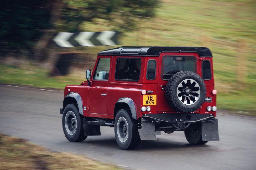 Land Rover apresenta edição especial do clássico Defender