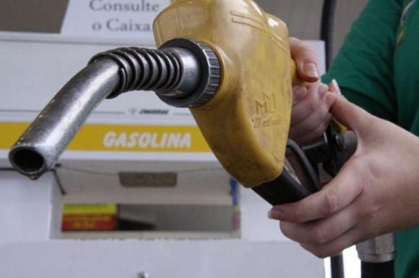 Preço médio da gasolina sobe pela 12ª semana consecutiva