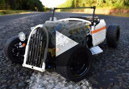 Oficina cria carrinho de LEGO que se locomove sozinho
