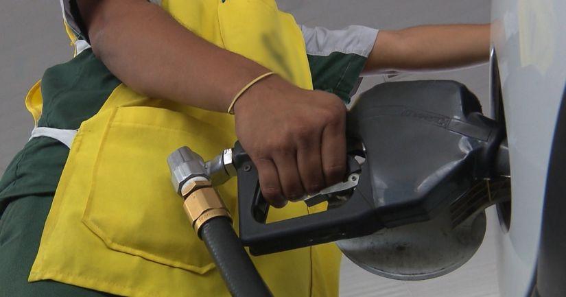Pesquisa da UFCG afirma que horário que o veículo é abastecido influencia perda de combustível