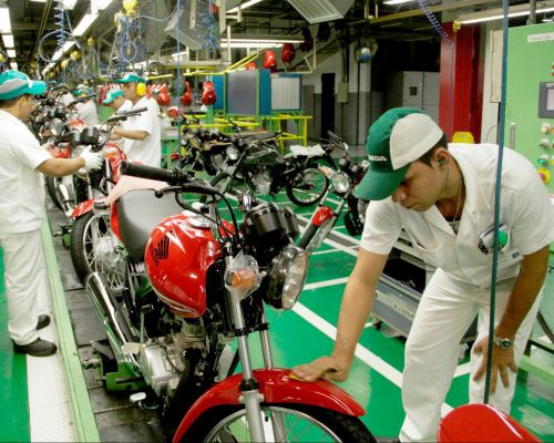 Produção de motos fica estável em janeiro