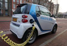 Frota mundial de carros eletrificados cresce 55% em um ano