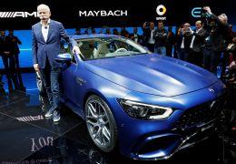 Mercedes-Benz e BMW mostram cupês de 4 portas no Salão de Genebra