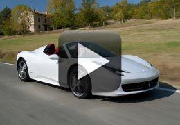 Vídeo registra momento que uma Ferrari 458 Spider é destruída