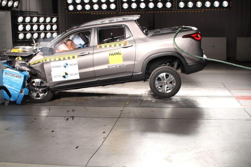 Fiat Toro consegue 4 estrelas em teste de colisão da Latin NCap