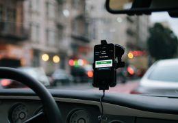 Lei que regulamenta o transporte por aplicativos nesta terça-feira