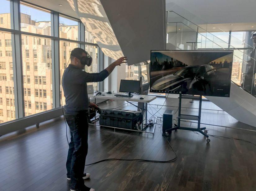 Cadillac insere realidade virtual na experiência de compra