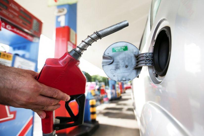 Petrobrás anuncia redução dos preços dos combustíveis a partir desta quarta-feira