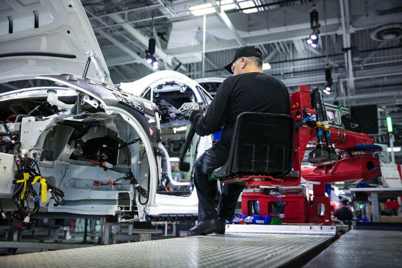 Tesla anuncia corte de 9% de seus postos de trabalho