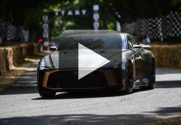 Nissan apresenta versão especial de 50 anos do GT-R