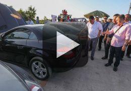 Presidente das Filipinas destrói carros contrabandeados