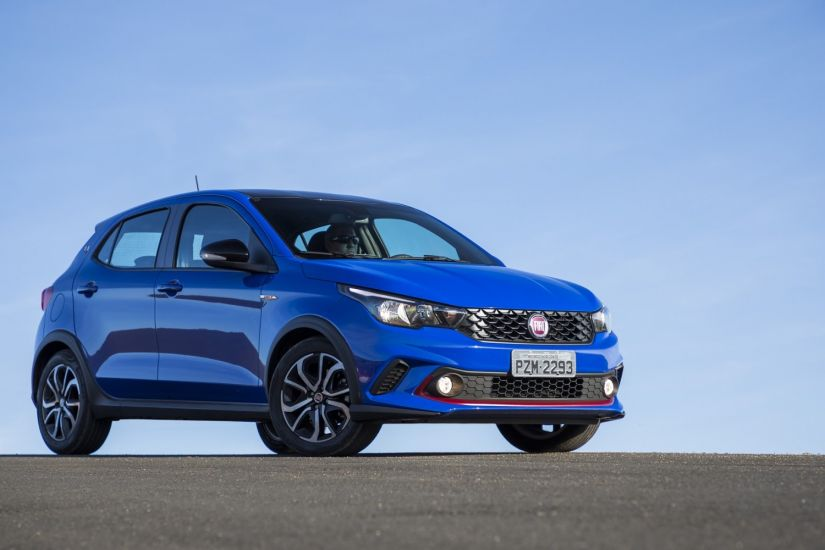 Fiat convoca recall de 11 mil carros no Brasil