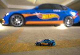 """Hot Wheels e Uber levam """"carro de brinquedo em tamanho real"""" para cidades"""