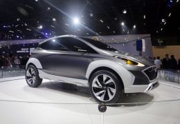 Hyundai antecipa futuro HB20 com Saga EV