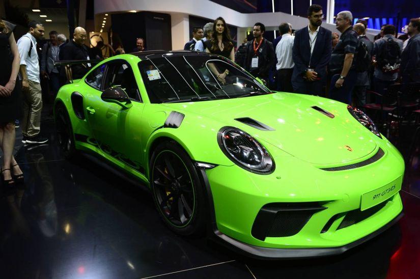 Porsche apresenta SUV Macan como principal destaque no Salão de SP