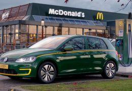 Volkswagen lança Golf em parceria com McDonalds