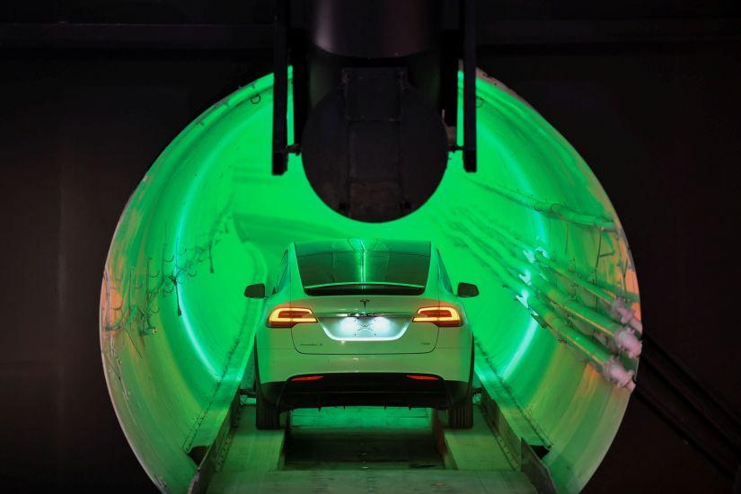 Túnel de alta velocidade de Elon Musk ganha protótipo
